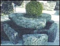 Стол в форме сердца в Коралловом Замке